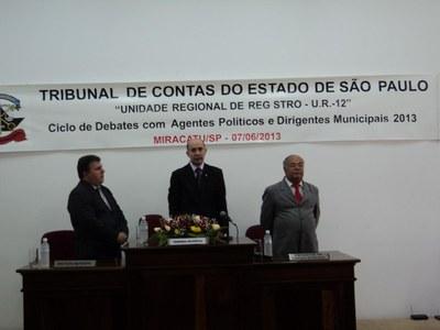 Composição da Mesa - Dr. João, Sr. Viveiros e Sr. José Fanes